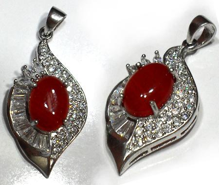 گردن اویز نقره جواهر با نگین عقیق سرخ