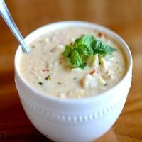 سوپ مرغ و قارچ ظرف متوسط