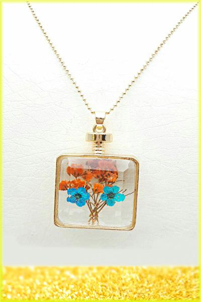 گردنبند زنانه شیشه ای گل خشک مربعی