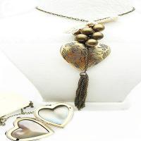 گردنبند زنانه رومانتویی قاب عکسی طرح قلب