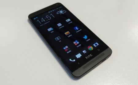 طرح اصلی HTC One اندروید 4