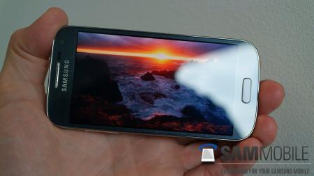 طرح اصلی Samsung Galaxy S4 مینی (3G)