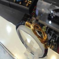خرید اینترنتی دستبند چرم طبیعی زنانه