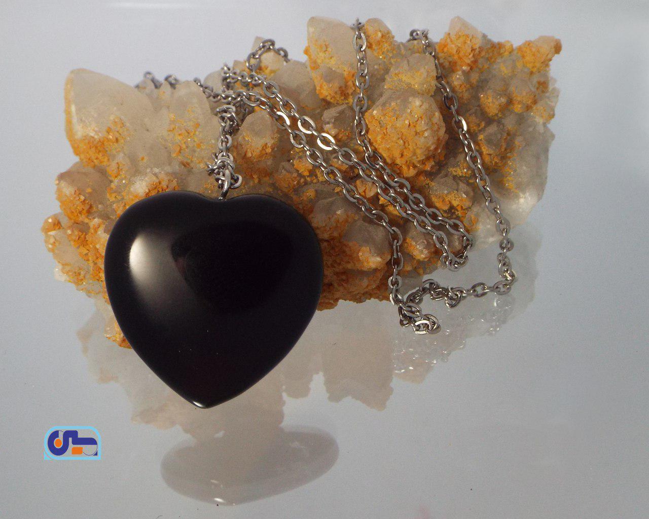 گردنبند قلب عقیق سیاه