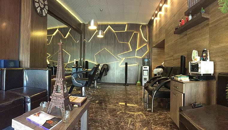اصلاح مو و ریش در آرایشگاه آقای رباط