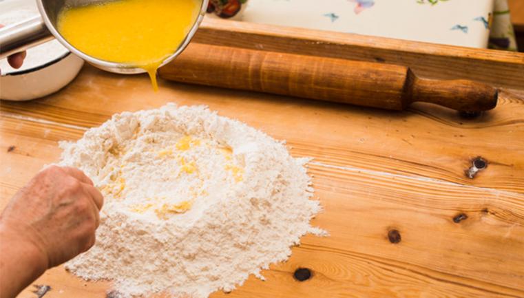 _0004_crop-person-pouring-eggs-into-flour_23-2147749556.jpg