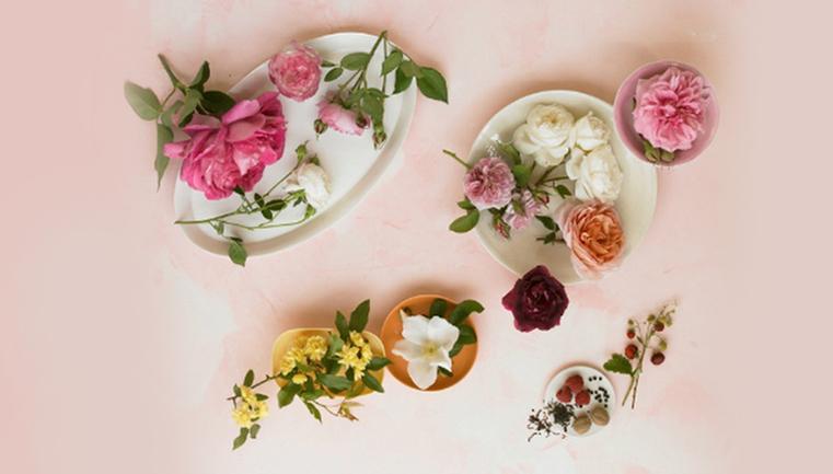 کلاس های گل سازی با اعطای مدرک فنی و حرفه ای در آموزشگاه نجفی
