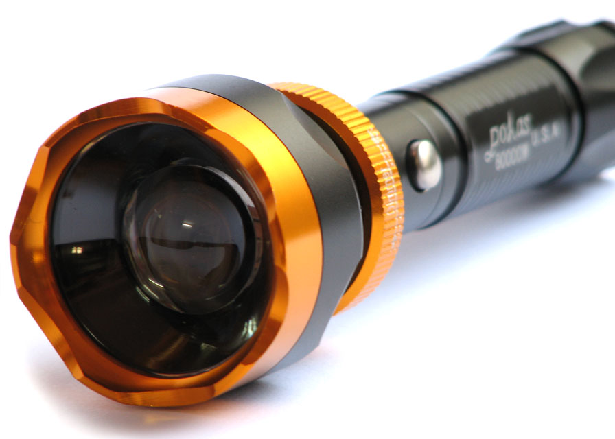 چراغ قوه شارژی W 60000 با لامپ XM-L T6