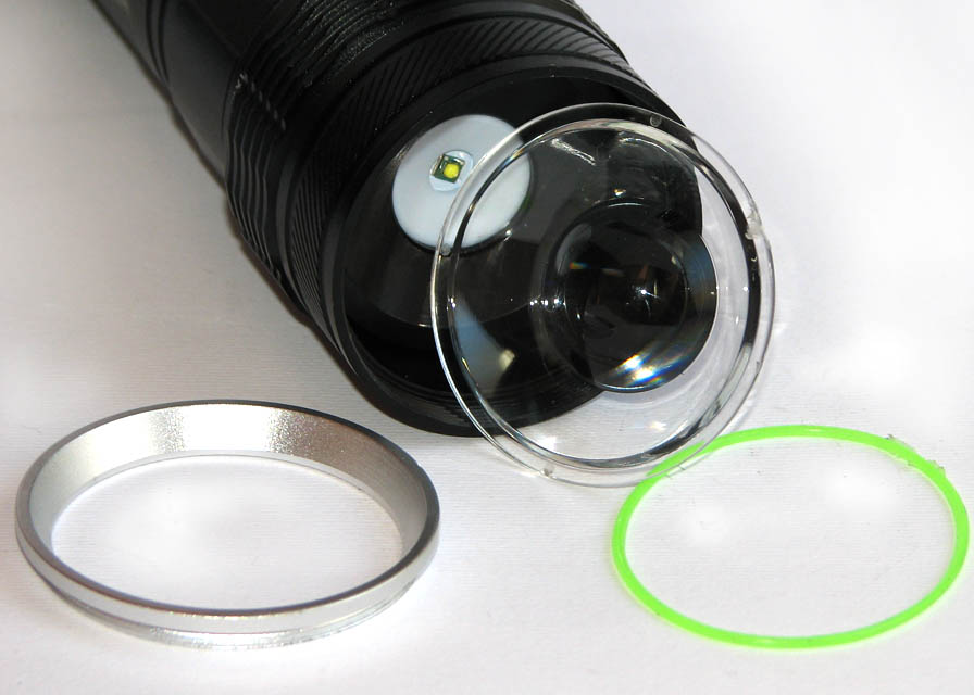 چراغ قوه شارژی زوم دار 2 باطری W 50000 با لامپ XP-G
