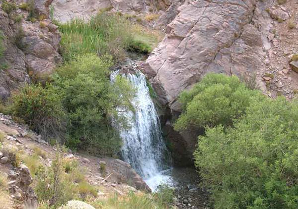 آبشار دره وامق آباد (شنگستان)، کرمان