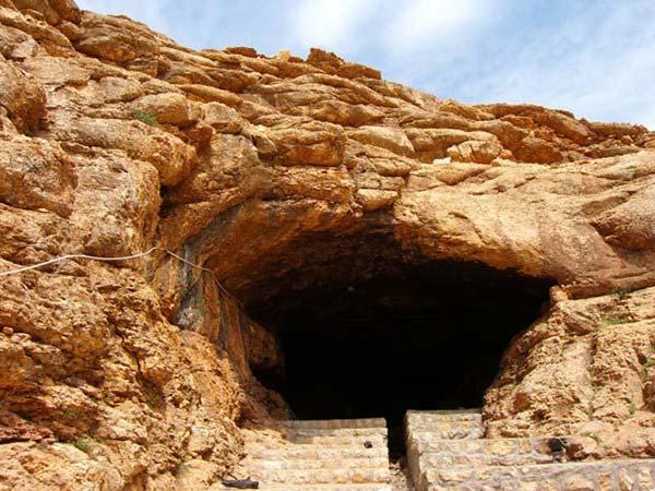 غار آقا سید عیسی