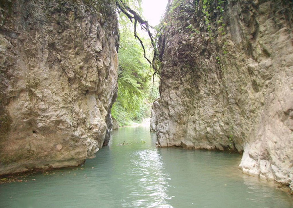 آبشار دزده (درویشان)، نکا