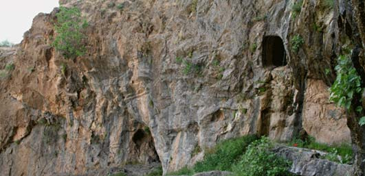 غار آبزا (آوزا)