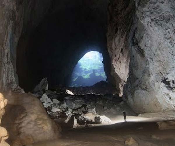 غار بزج