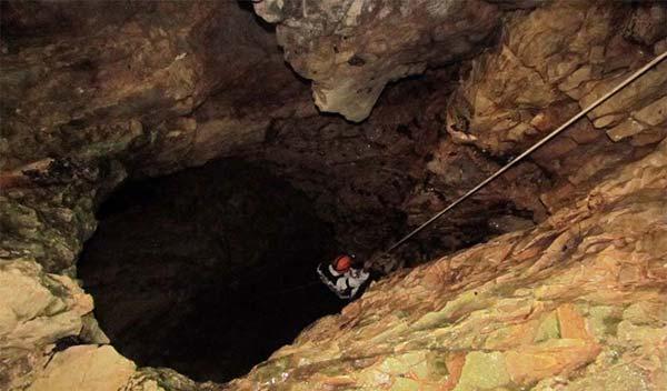غار خونی