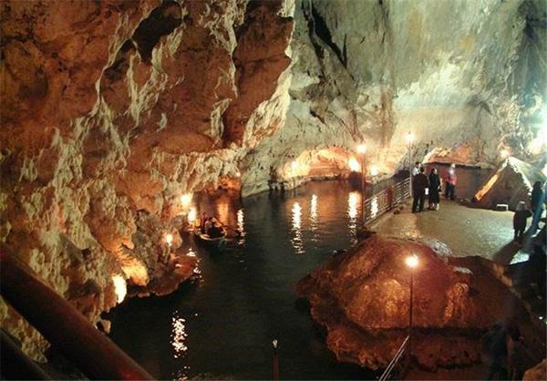 غار راکاد
