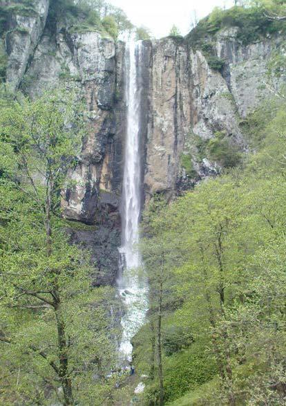 آبشار دشه، پاوه