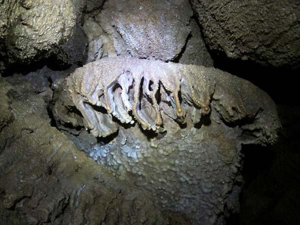 غار سنگ آویز