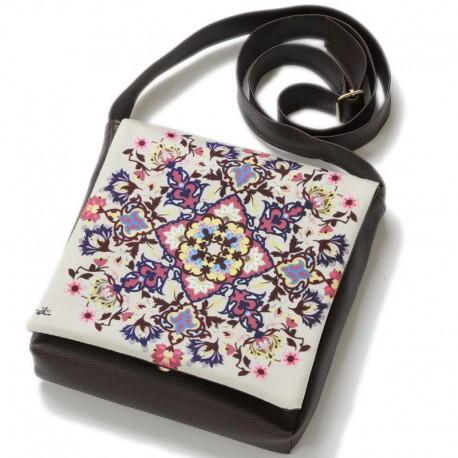 کیف چرمی خورجینی گل فرش