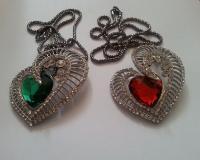 مدال قلبی تیتانیوم زنانه