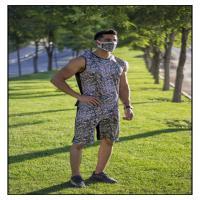 تاپ، شلوارک و ماسک مردانه  طرح هندسی
