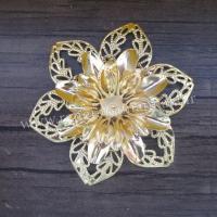 گل 6 پر فلزی