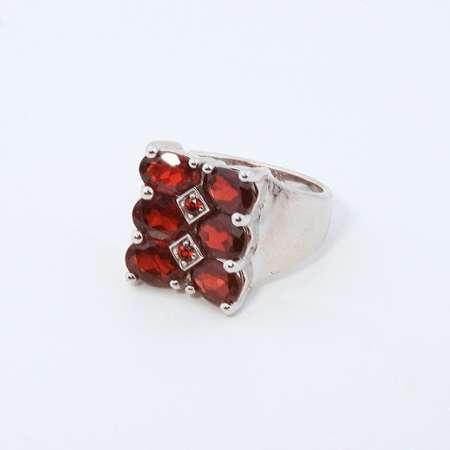 انگشتر جواهری گارنت